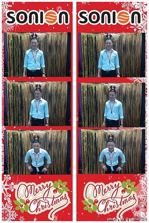 SONION-Vietnam-Christmas-Photobooth-by-WefieBox-059