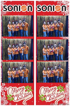 SONION-Vietnam-Christmas-Photobooth-by-WefieBox-020