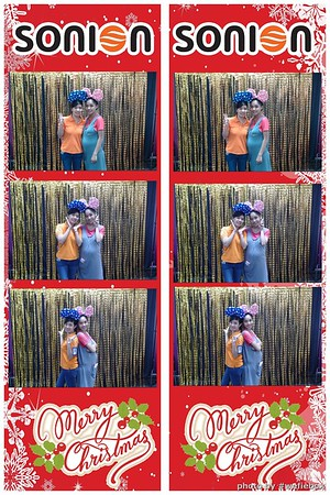 SONION-Vietnam-Christmas-Photobooth-by-WefieBox-037