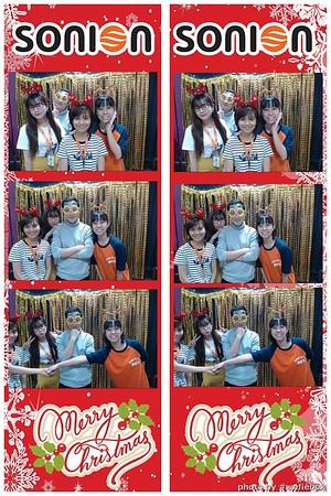 SONION-Vietnam-Christmas-Photobooth-by-WefieBox-069