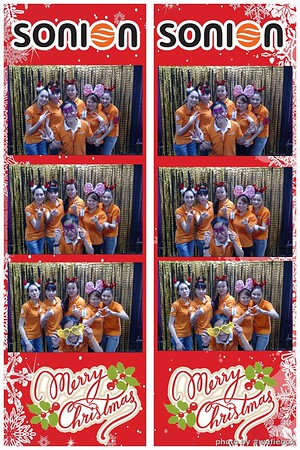 SONION-Vietnam-Christmas-Photobooth-by-WefieBox-041