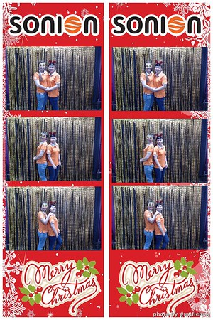SONION-Vietnam-Christmas-Photobooth-by-WefieBox-047