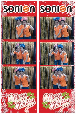 SONION-Vietnam-Christmas-Photobooth-by-WefieBox-045