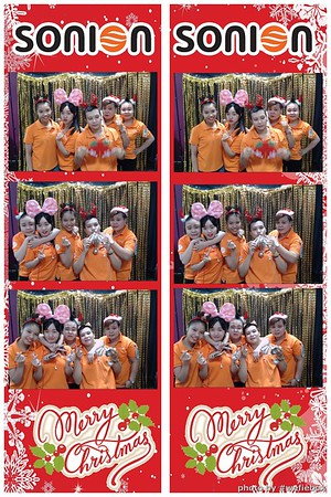SONION-Vietnam-Christmas-Photobooth-by-WefieBox-017