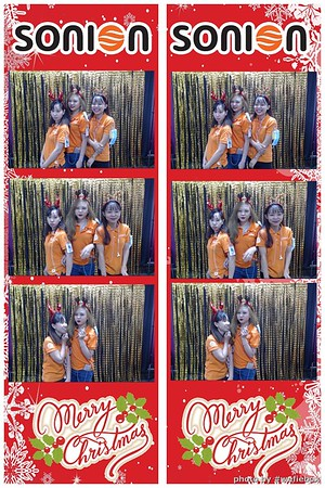 SONION-Vietnam-Christmas-Photobooth-by-WefieBox-039