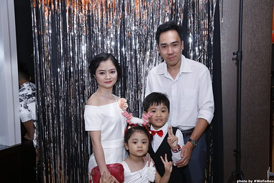 Sonion-Christmas-Photobooth-in-Saigon-Chup-anh-in-hinh-lay-lien-Tiec-Giang-sinh-WefieBox-Photobooth-Vietnam-single-16