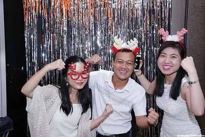 Sonion-Christmas-Photobooth-in-Saigon-Chup-anh-in-hinh-lay-lien-Tiec-Giang-sinh-WefieBox-Photobooth-Vietnam-single-03