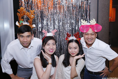 Sonion-Christmas-Photobooth-in-Saigon-Chup-anh-in-hinh-lay-lien-Tiec-Giang-sinh-WefieBox-Photobooth-Vietnam-single-12