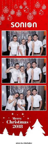Sonion-Christmas-Photobooth-in-Saigon-Chup-anh-in-hinh-lay-lien-Tiec-Giang-sinh-WefieBox-Photobooth-Vietnam-11