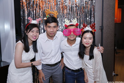 Sonion-Christmas-Photobooth-in-Saigon-Chup-anh-in-hinh-lay-lien-Tiec-Giang-sinh-WefieBox-Photobooth-Vietnam-single-10