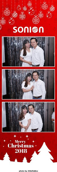 Sonion-Christmas-Photobooth-in-Saigon-Chup-anh-in-hinh-lay-lien-Tiec-Giang-sinh-WefieBox-Photobooth-Vietnam-14