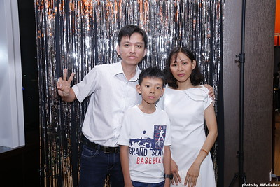 Sonion-Christmas-Photobooth-in-Saigon-Chup-anh-in-hinh-lay-lien-Tiec-Giang-sinh-WefieBox-Photobooth-Vietnam-single-08