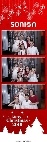 Sonion-Christmas-Photobooth-in-Saigon-Chup-anh-in-hinh-lay-lien-Tiec-Giang-sinh-WefieBox-Photobooth-Vietnam-26