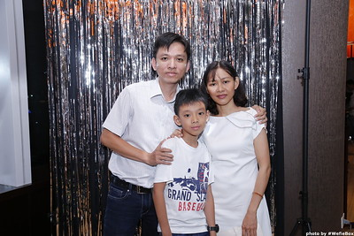 Sonion-Christmas-Photobooth-in-Saigon-Chup-anh-in-hinh-lay-lien-Tiec-Giang-sinh-WefieBox-Photobooth-Vietnam-single-09