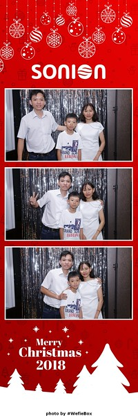Sonion-Christmas-Photobooth-in-Saigon-Chup-anh-in-hinh-lay-lien-Tiec-Giang-sinh-WefieBox-Photobooth-Vietnam-24
