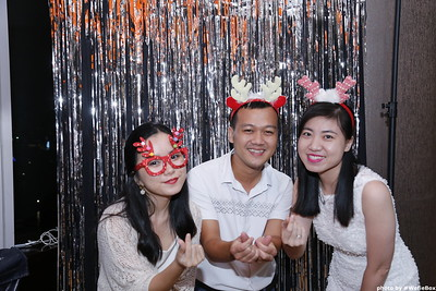 Sonion-Christmas-Photobooth-in-Saigon-Chup-anh-in-hinh-lay-lien-Tiec-Giang-sinh-WefieBox-Photobooth-Vietnam-single-02