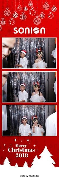 Sonion-Christmas-Photobooth-in-Saigon-Chup-anh-in-hinh-lay-lien-Tiec-Giang-sinh-WefieBox-Photobooth-Vietnam-09
