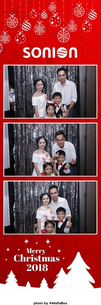 Sonion-Christmas-Photobooth-in-Saigon-Chup-anh-in-hinh-lay-lien-Tiec-Giang-sinh-WefieBox-Photobooth-Vietnam-27