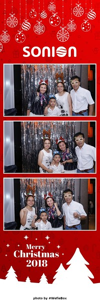 Sonion-Christmas-Photobooth-in-Saigon-Chup-anh-in-hinh-lay-lien-Tiec-Giang-sinh-WefieBox-Photobooth-Vietnam-23