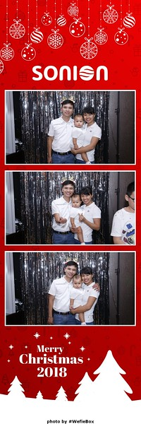 Sonion-Christmas-Photobooth-in-Saigon-Chup-anh-in-hinh-lay-lien-Tiec-Giang-sinh-WefieBox-Photobooth-Vietnam-16