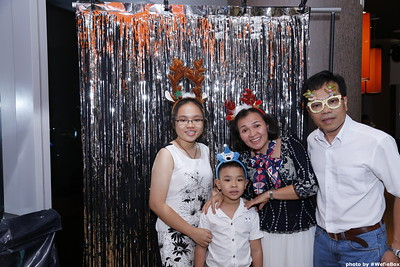 Sonion-Christmas-Photobooth-in-Saigon-Chup-anh-in-hinh-lay-lien-Tiec-Giang-sinh-WefieBox-Photobooth-Vietnam-single-05