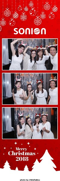 Sonion-Christmas-Photobooth-in-Saigon-Chup-anh-in-hinh-lay-lien-Tiec-Giang-sinh-WefieBox-Photobooth-Vietnam-20