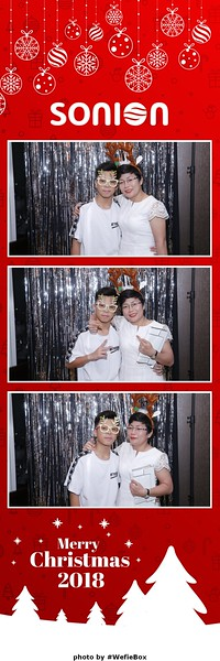 Sonion-Christmas-Photobooth-in-Saigon-Chup-anh-in-hinh-lay-lien-Tiec-Giang-sinh-WefieBox-Photobooth-Vietnam-28