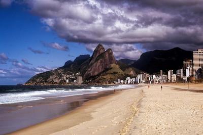 IPANEMA BEACH - RIO DE JANAIRO