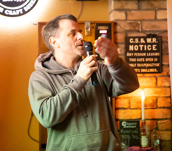 7/11/2019 Science week at Tully's bar with Nick McCarthy. Photo; Mary Browne