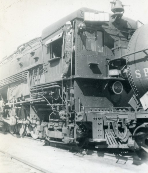 SP 4104 at Colton