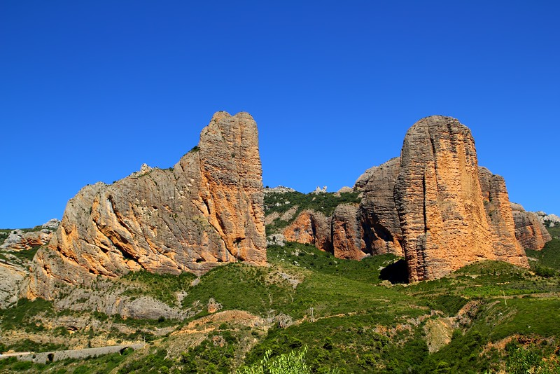 Mallos de Riglos icon shape mountains in Huesca