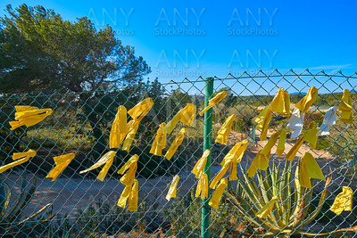Yellow ribbon ties in Catalonia protest