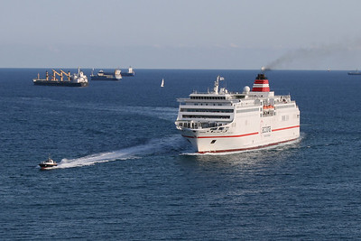 F/B FORTUNY arriving to Barcelona.