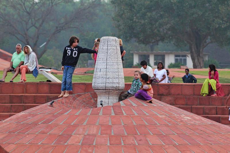 Auroville - Never Ageing / Ауровиль - Никогда не старея