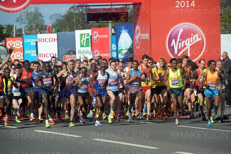Mo   Farah CBE at the start of the Virgin London Marathon 2014
