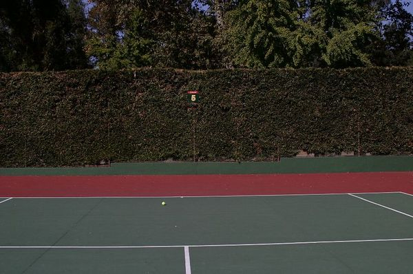 ROSE BOWL TENNIS COURTS