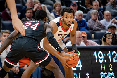 December 22, 2019: Virginia Guard Braxton Key (2) during the NCAA Basketball game between the University of South Carolina Gamecocks and University of Virginia Cavaliers at John Paul Jones Arena in Charlottesville, VA.  Brian McWalters/CSM