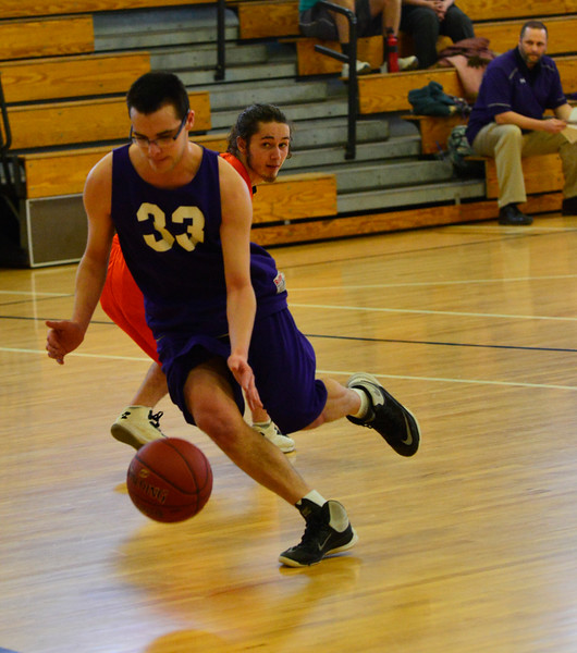 KRISTOPHER RADDER - BRATTLEBORO REFORMER<br /> Brattleboro takes on Middlebury during a basketball game on Wednesday, April 11, 2018.