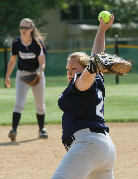 Kim Machalette pitches for Springfield.