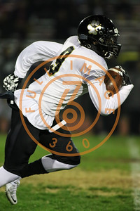 Nov 20 : Calabasas Coyotes Marquel Dismuke (9) Game action in quarterfinals of CIFSS Playoffs with Calabasas vs. Lawndale at Lawndale High School in Lawndale, Ca (Photo by Jevone Moore/Full Image 360)