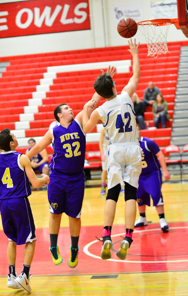 Hinsdale vs. Nute: Zero Gravity Holiday Basketball Tournament