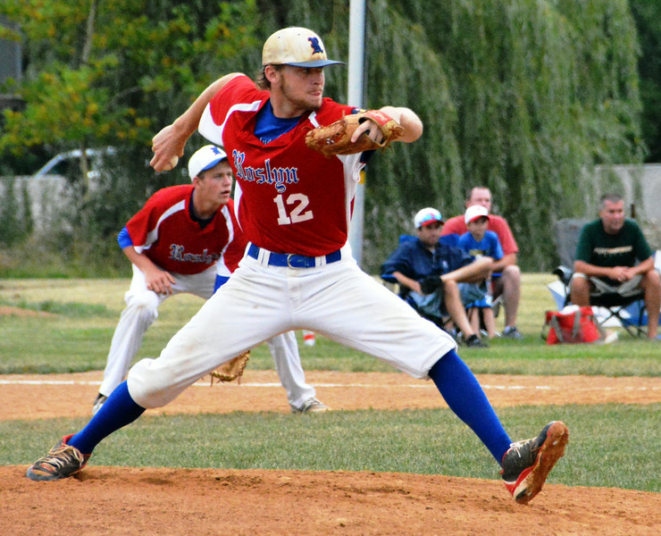 Roslyn Blue Hawks, Eric Tidwell, pitcher, opened the 2nd inning with a fast throw. Photo by Debby High