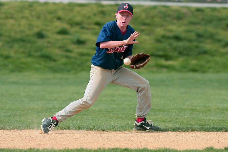 Jenkintown shortstop Greg Wanger grabs a bouncing gronder.<br /> Bob Raines 5/3/11