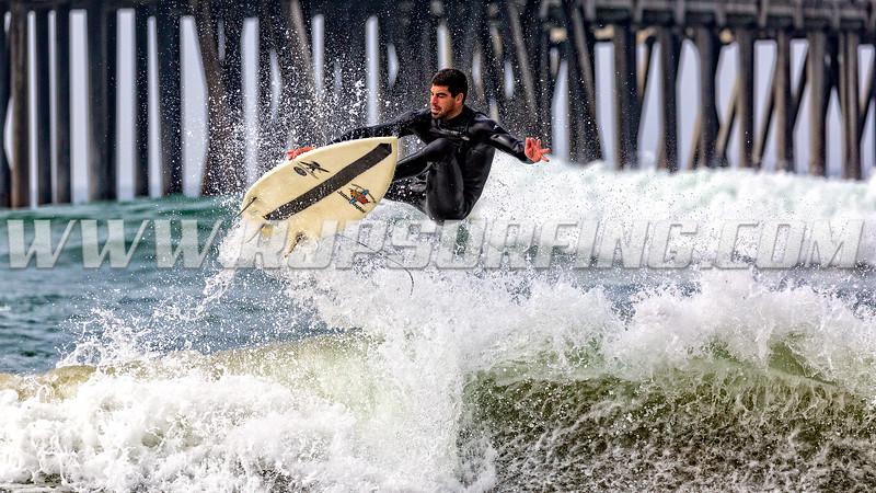 Surfing HB Pier, Northside (08/18/2016)