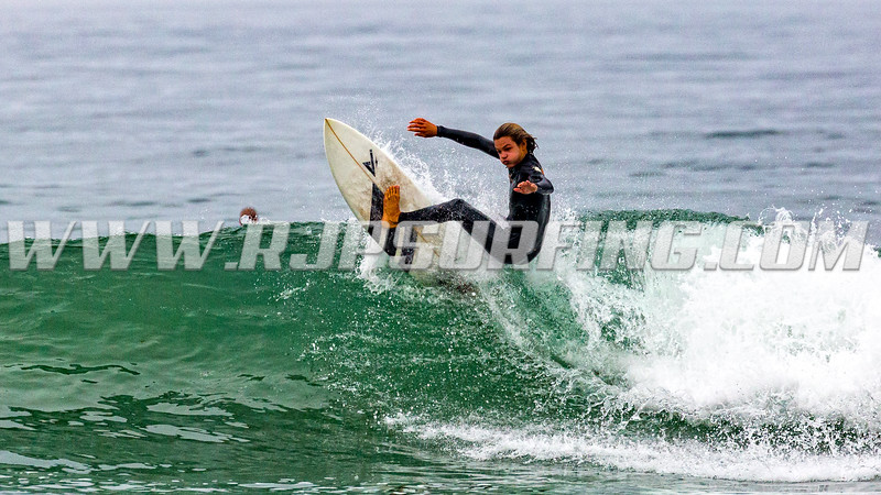 Surfing HB Pier, Southside (08/18/2016)
