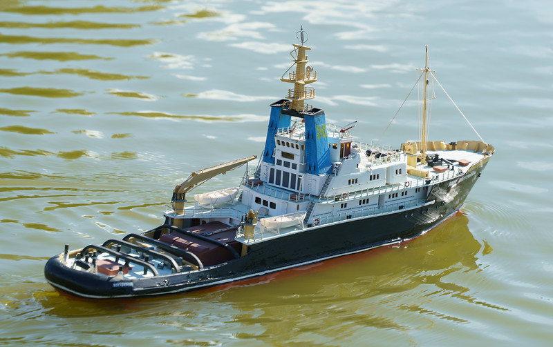 Jeff Stone, SRCMBC, Smit Rotterdam, Solent Radio Control Model Boat Club