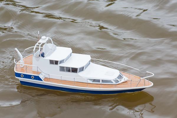 Cabin Cruiser, David Hardy, Jubilee, SRCMBC, Solent Radio Control Model Boat Club