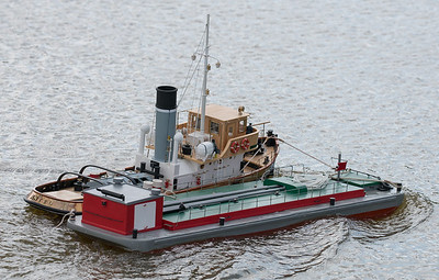 Anteo, Italian Steam Tug boat, John Andrews, SRCMBC, Setley Pond, Solent Radio Control Model Boat Club, fuel barge