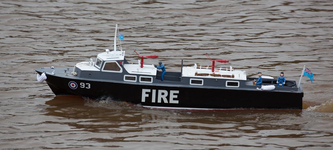 93, Fire, Launch, Peter Burton, RAF Crash Tender, SRCMBC, Solent Radio Control Model Boat Club