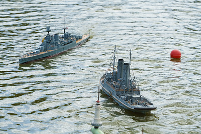 David McNair-Taylor, HMS Hood, HMS Resolve, Navy Day 2016, Nick Leaper, SRCMBC, Setley Pond, Solent Radio Control Model Boat Club, World War 1 Naval Tug
